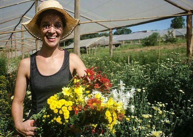 Dia dos Namorados impulsiona mercado floricultor, em crescimento no estado