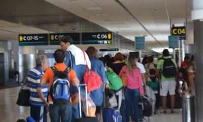 Empresa começa a oferecer passagens com desconto para quem não despachar bagagem