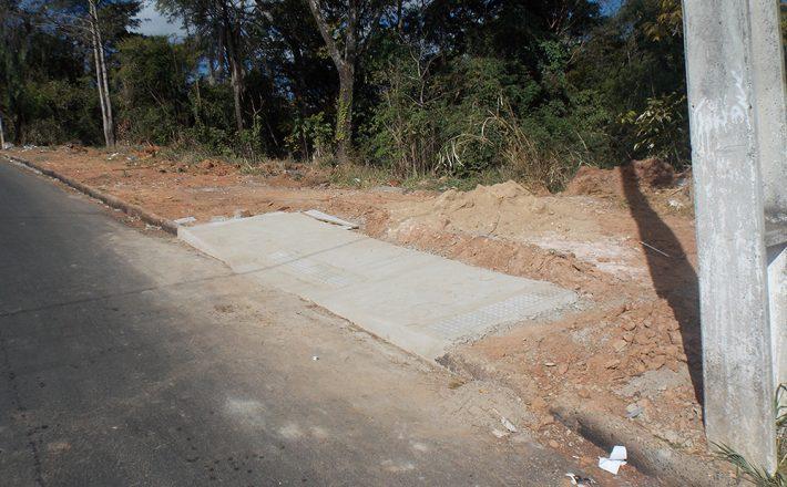 Robson Magela questiona construção de rampas em locais onde não existem calçada