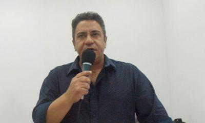 Robson Magela faz cobranças sobre o concurso público e questiona a varrição de rua em Araxá