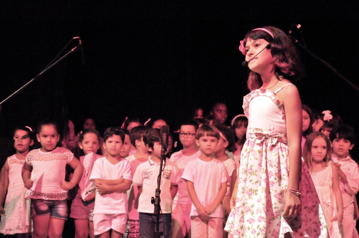 Escola de Música encanta plateia com apresentações para celebrar a infância
