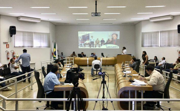 Serviços Urbanos, Obras Públicas e Melhorias no Trânsito são debatidos em Reunião Ordinária da Câmara