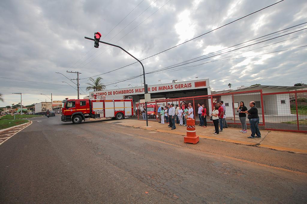 Instalado em frente ao Corpo de Bombeiros semáforo de segurança