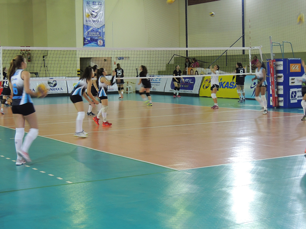 UNIARAXÁ é palco do Campeonato Nacional de Vôlei Feminino Sub-15