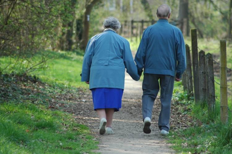 É cada vez mais importante que os idosos sejam assistidos por geriatras