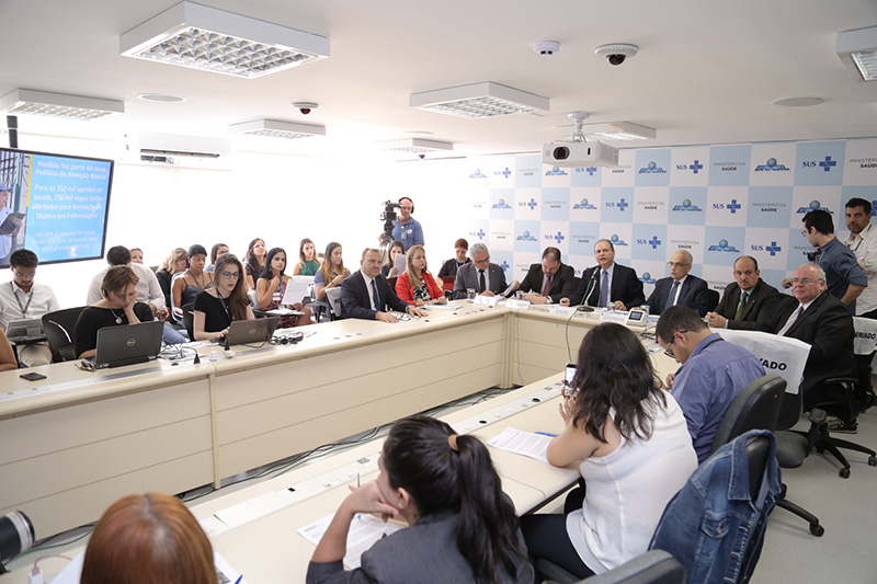 Ministério da Saúde formará 250 mil agentes em técnico em enfermagem