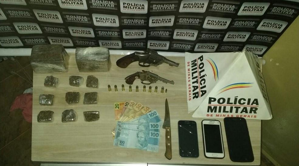 Polícia Militar prende 3 autores e apreende drogas, armas de fogo e munição no bairro Urciano Lemos