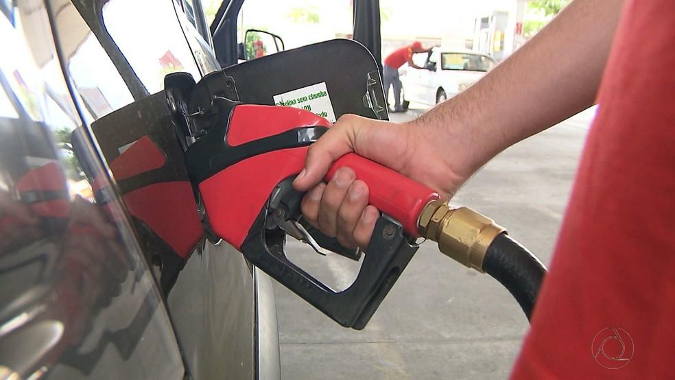 Custando quase R$ 5, litro da gasolina em Minas é um dos mais caros do Brasil