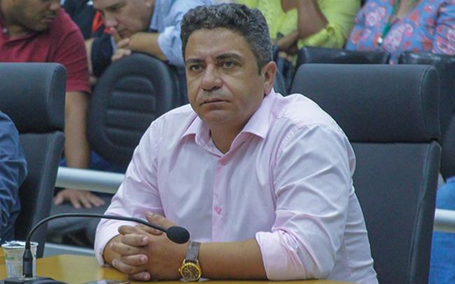 Robson Magela questiona Prefeitura de Araxá sobre a redução no desconto do IPTU