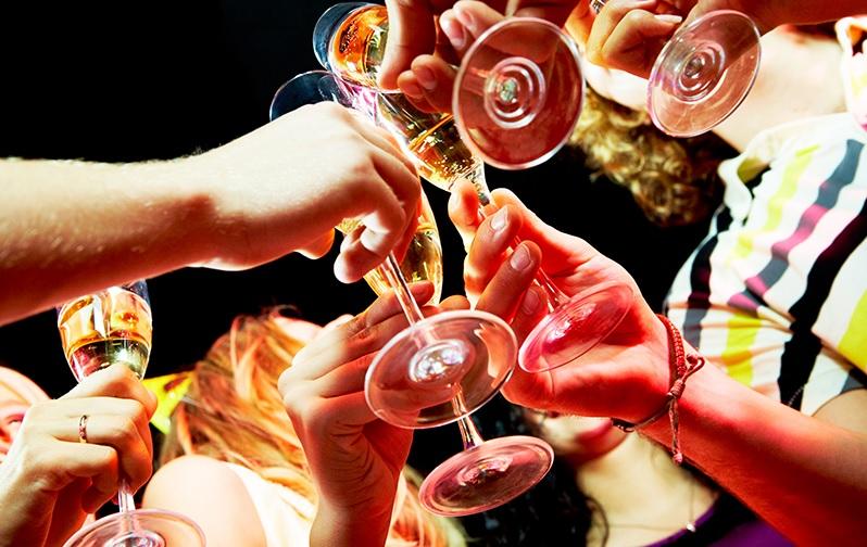 Consumo excessivo de bebidas energéticas pode ser um risco à saúde