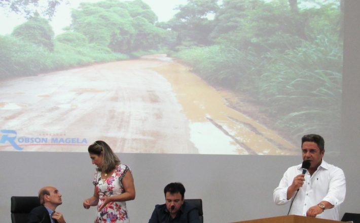 Robson Magela apresenta demandas do Gabinete Itinerante na tribuna da Câmara