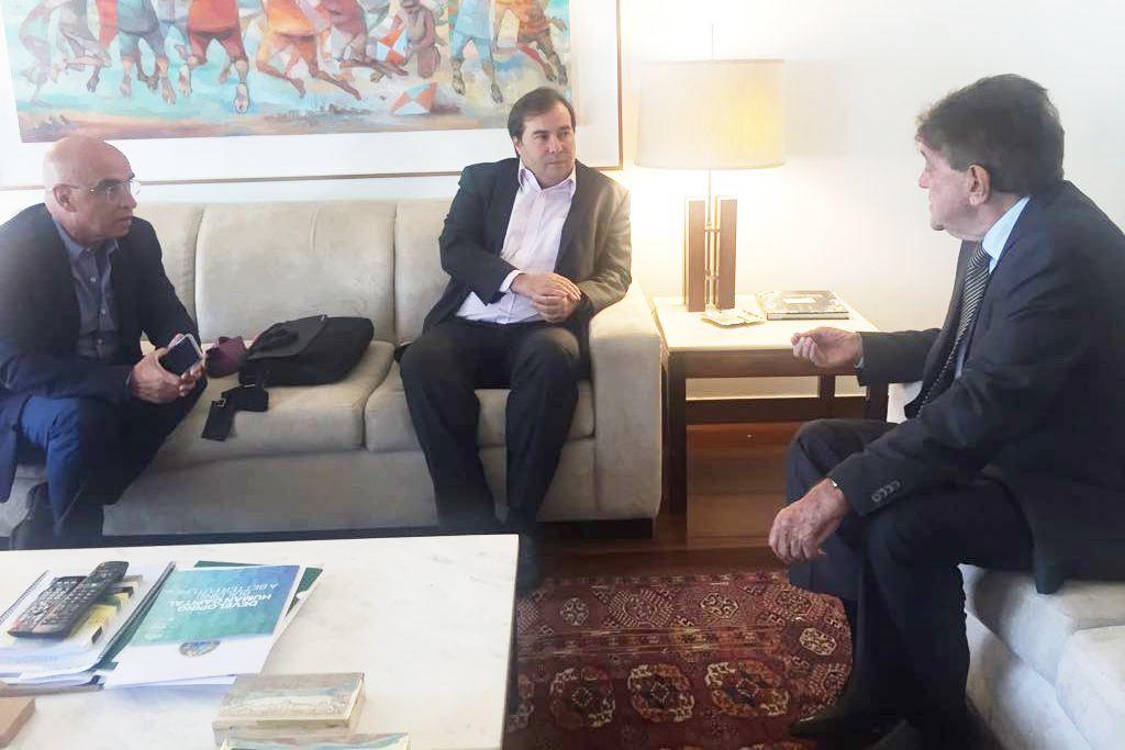 Prefeito de Araxá se reúne com presidente da Câmara em Brasília para viabilizar projeto de canalização de Córrego