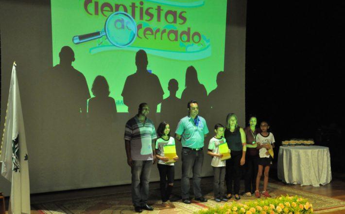 Alunos da rede municipal participam do projeto Cientistas do Cerrado