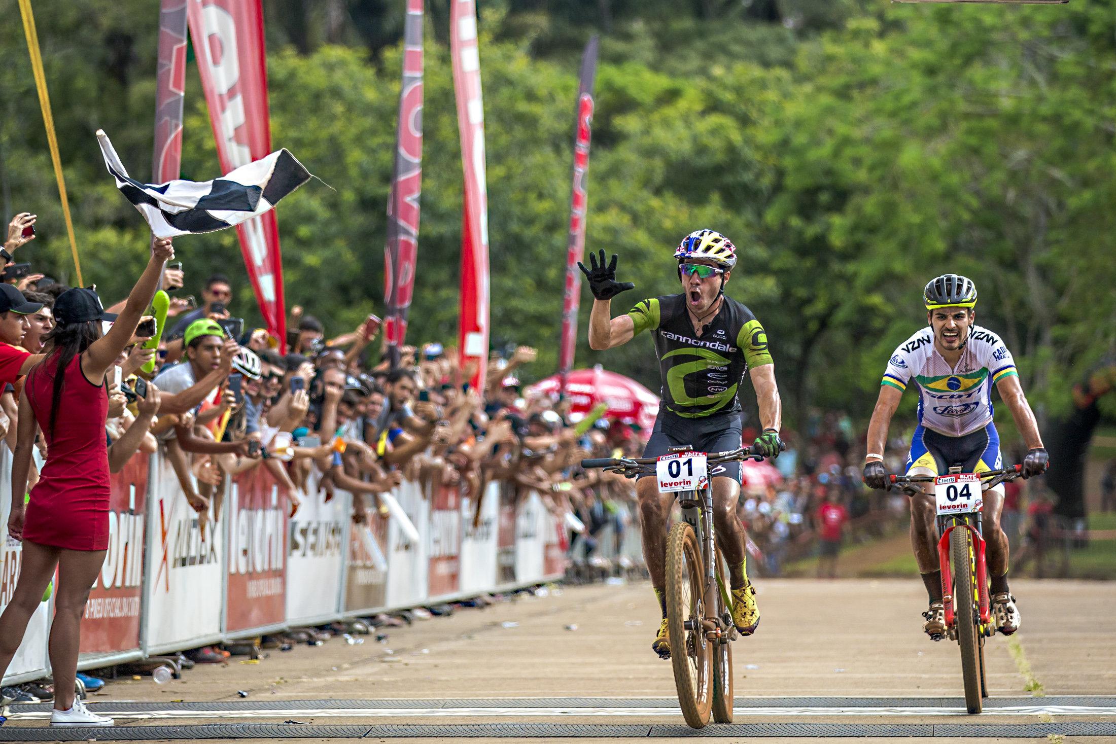 Líderes nos três estágios, Brasil e EUA são campeões da 1º etapa da CIMTB Levorin