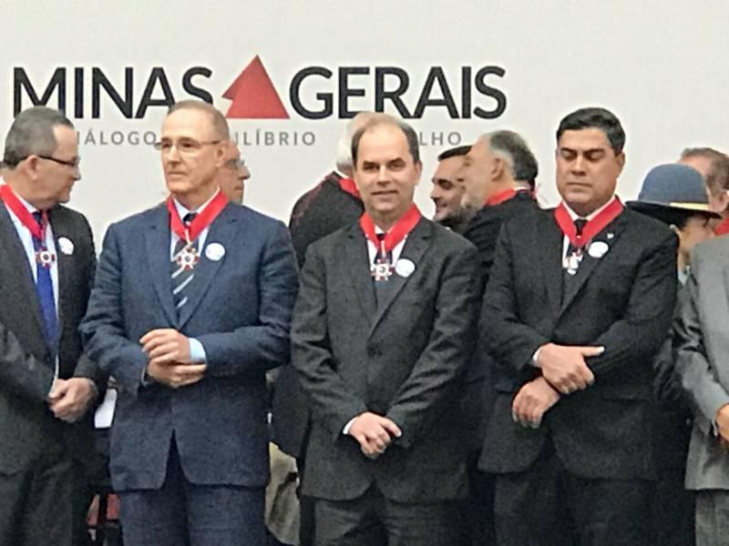 Emílio Parolini recebe Medalha da Inconfidência