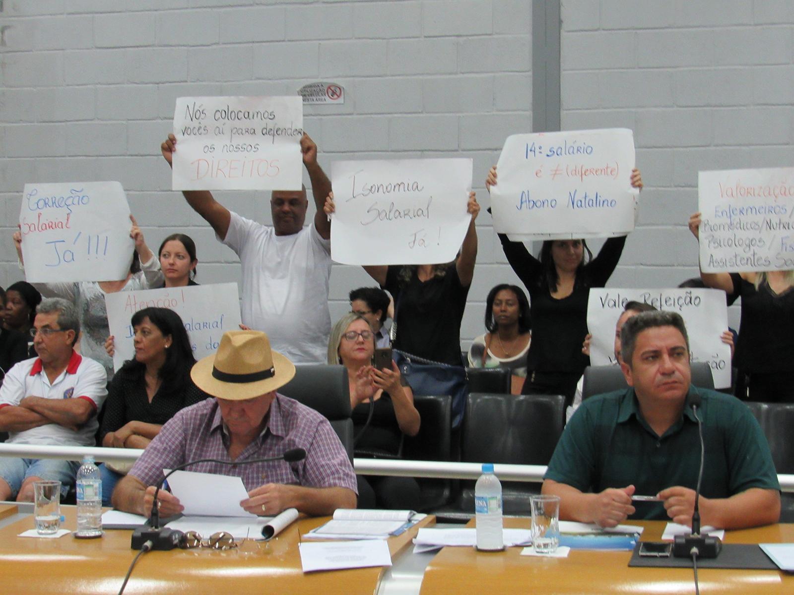 Projeto de reajuste salarial para servidores da Prefeitura é apresentado na Câmara