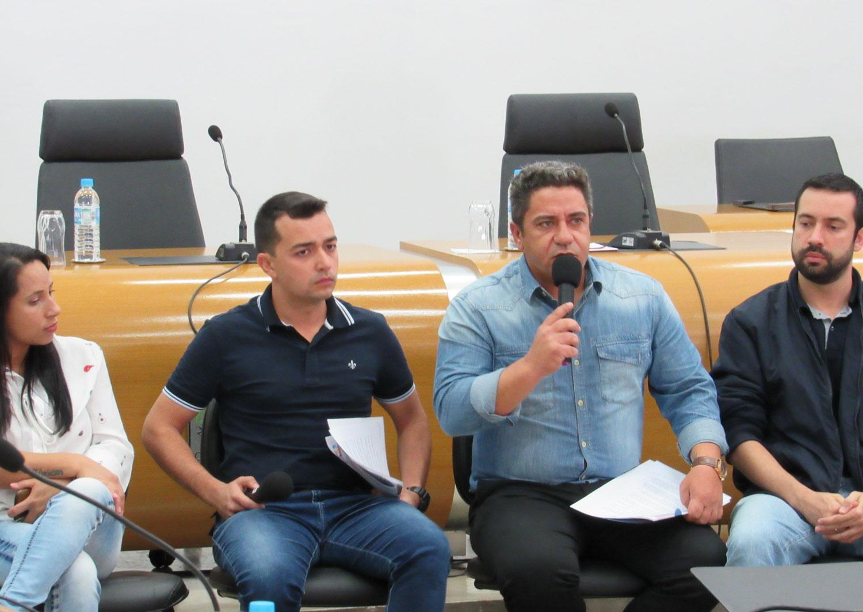 Prefeitura de Araxá não envia nenhum representante para o Fórum Comunitário da Escola Francisco Braga