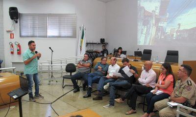 Fórum Comunitário cobra manutenção de cabos e fios de postes da CEMIG