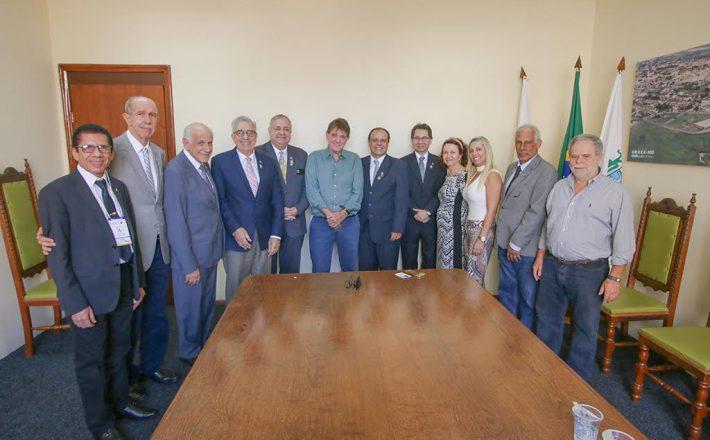 Prefeito recebe Governadores do Rotary Internacional