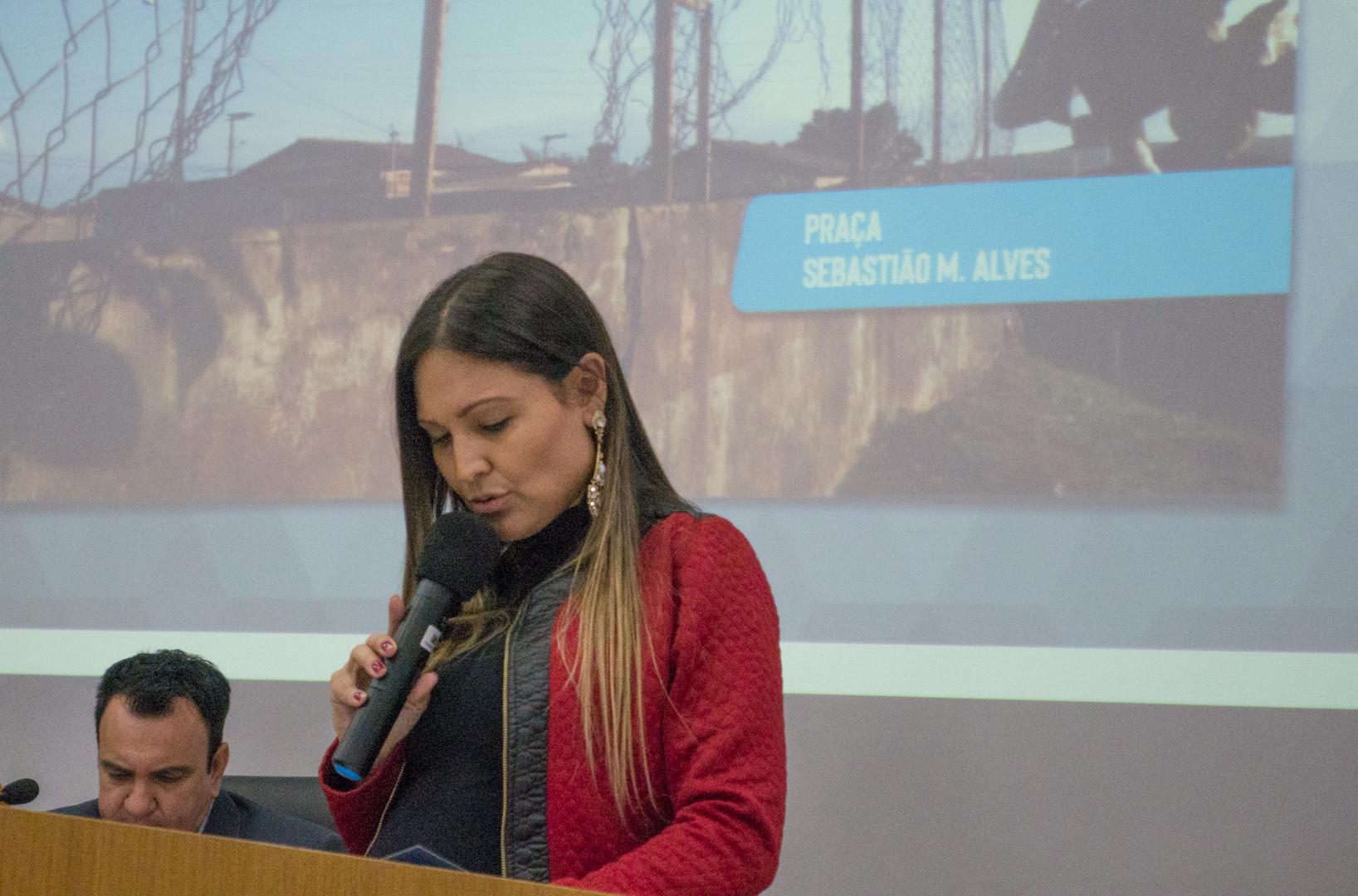 Vereadora Fernanda Castelha cobra Prefeitura de Araxá