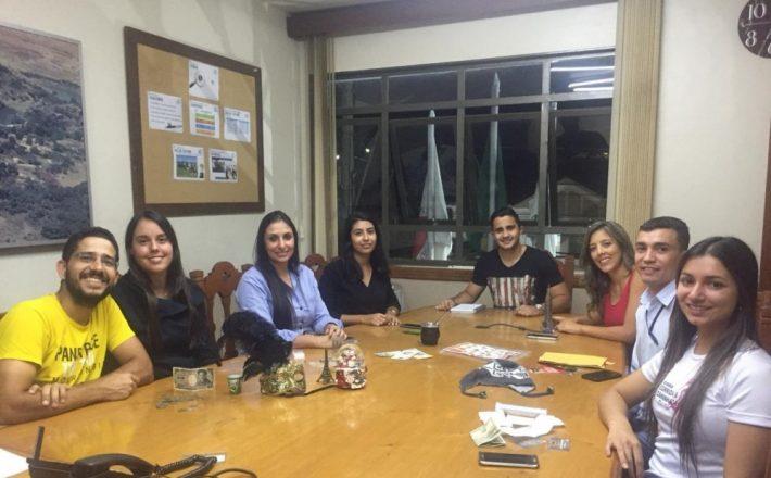 Programa de Conversação em Inglês é realizado na ACIA