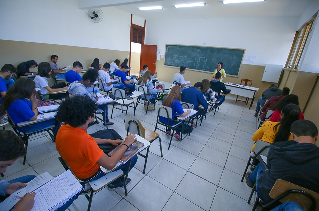 Após reforma, Escola Estadual Dom José Gaspar receberá novo mobiliário