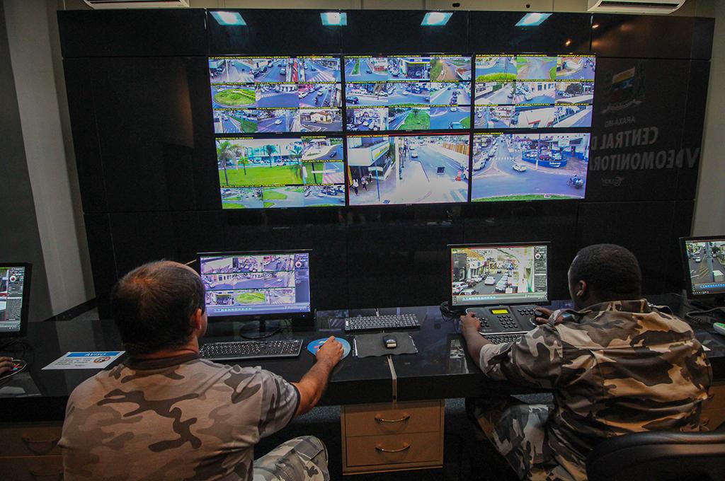 Vídeomonitoramento ajuda polícia no combate aos ataques a ônibus e carros