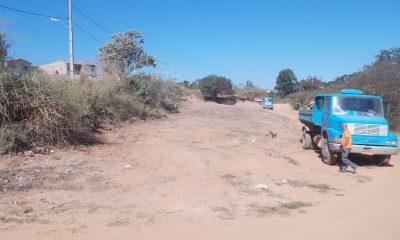 Prefeitura realiza limpeza em área transformada em lixão após cobrança do vereador Robson Magela