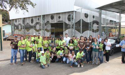 Adolescentes mobilizam a comunidade para inauguração do Feirão do Povo com entrega de mudas