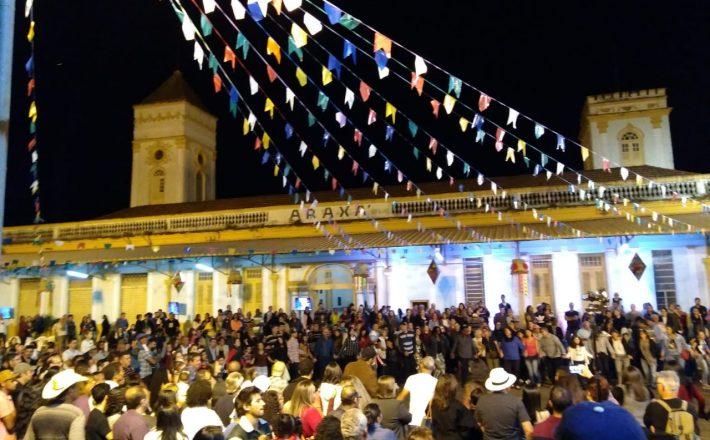 """""""Grande Arraiá"""" leva 10 mil pessoas à Fundação Cultural em dois dias"""