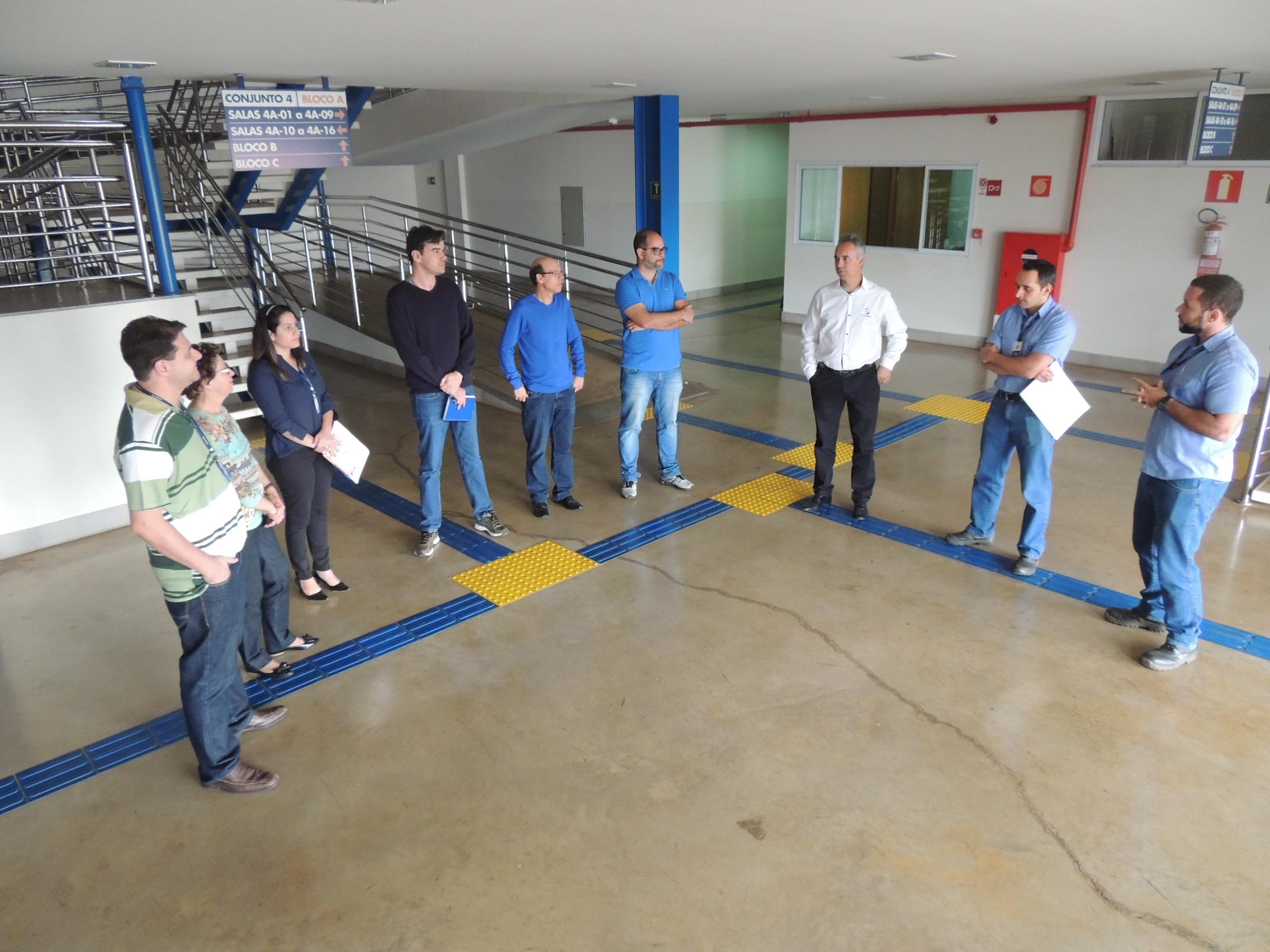 UNIARAXÁ recebe equipamentos doados pela CBMM