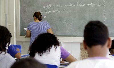 Professores e organizações querem arte obrigatória no ensino médio