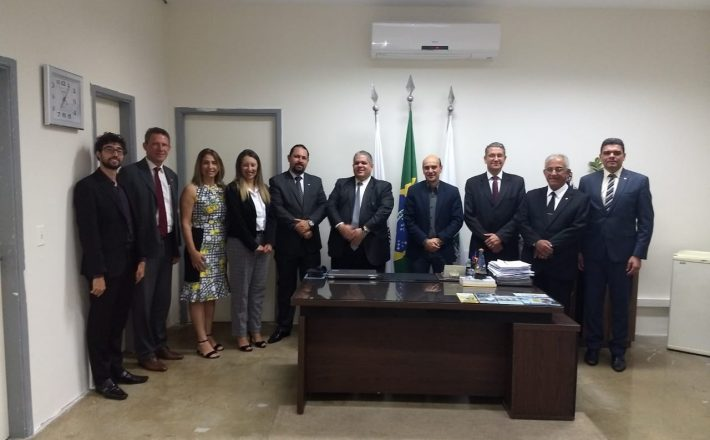 Comitiva da OAB de Minas Gerais visita Câmara de Araxá