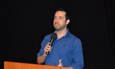 Raphael Rios reivindica criação de cursinho social para estudantes de baixa renda que buscam vagas em universidades