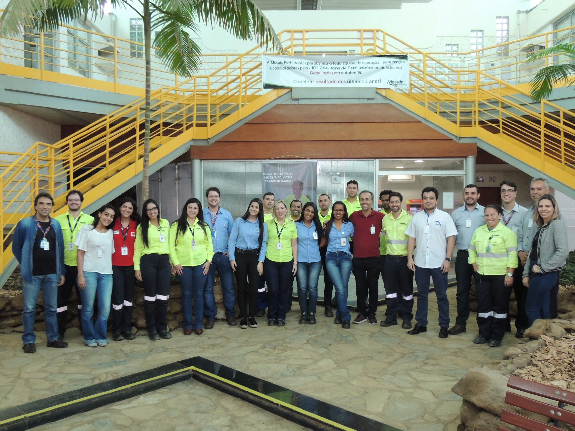 Estudantes do UNIARAXÁ concluem Projetos na MOSAIC Fertilizantes
