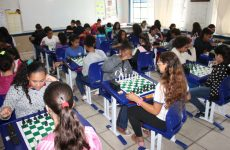 Prefeitura realiza disputa de xadrez nos Jogos Estudantis