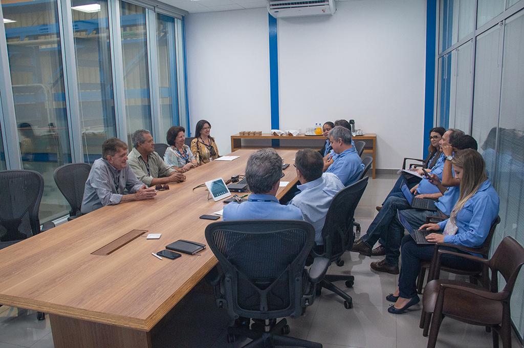 Prefeito Aracely participa de reuniões na CBMM