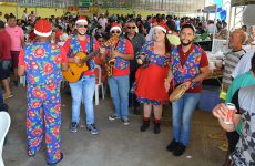 Talentos da Terra roubam a cena e animam o domingo de araxaenses e turistas no FestNatal