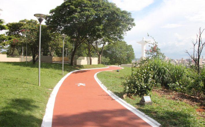 Prefeitura reforça a segurança na pista de caminhada do Parque do Cristo