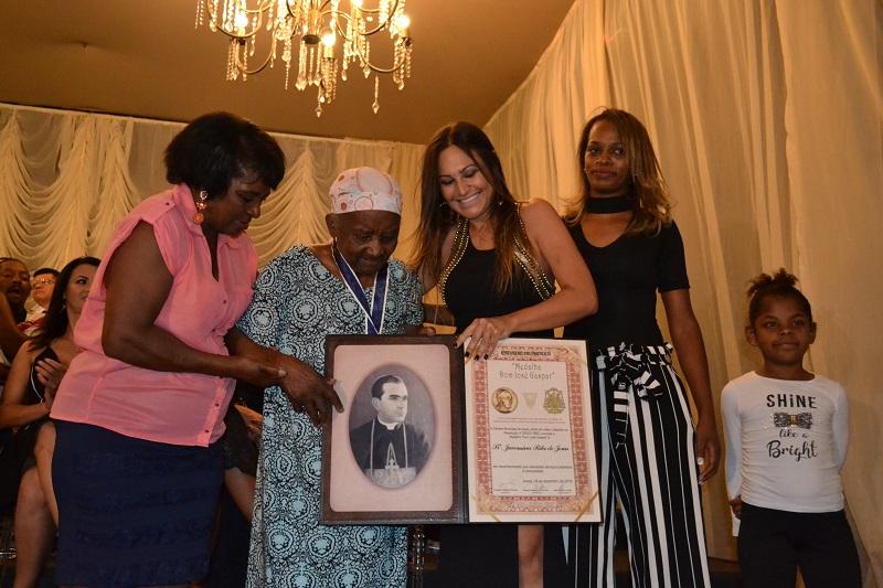 Reunião Solene da Câmara homenageia personalidades com três honrarias