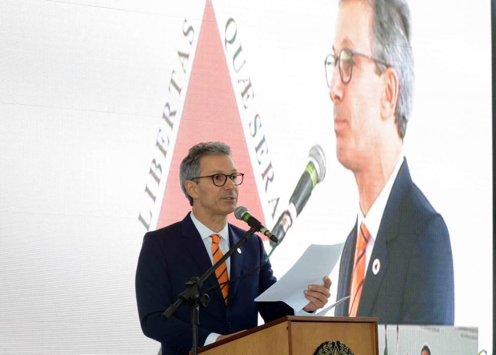 Governador anuncia datas de pagamento do salário dos servidores estaduais