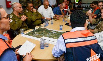 Governador Romeu Zema acompanha chegada de militares de Israel a Brumadinho