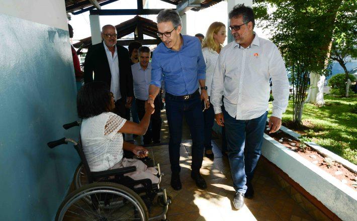Governador Romeu Zema visita Apac de Itaúna e conhece modelo de recuperação de condenados em Minas Gerais