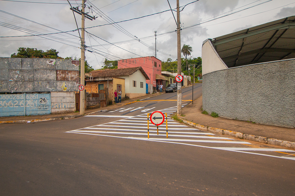 Prefeitura passa rua da Banheira para mão única