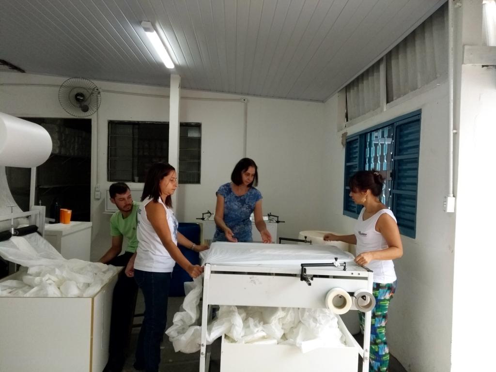 Administração Municipal atende a população com fraldas geriátricas