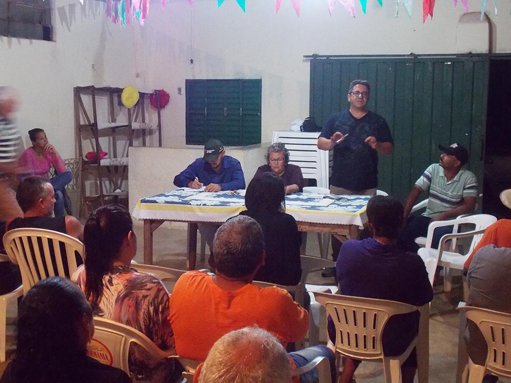 Robson Magela se reúne com a comunidade do Distrito de Itaipu
