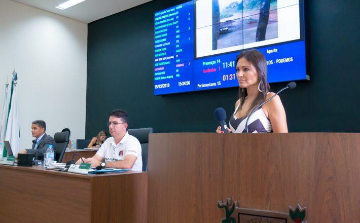Fernanda Castelha faz cobrança por melhores Estradas Vicinais