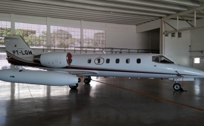 Avião LearJet, que pertencia a frota que serviu aos antigos governadores de Minas Gerais, é vendido por R$ 2.226.710,00