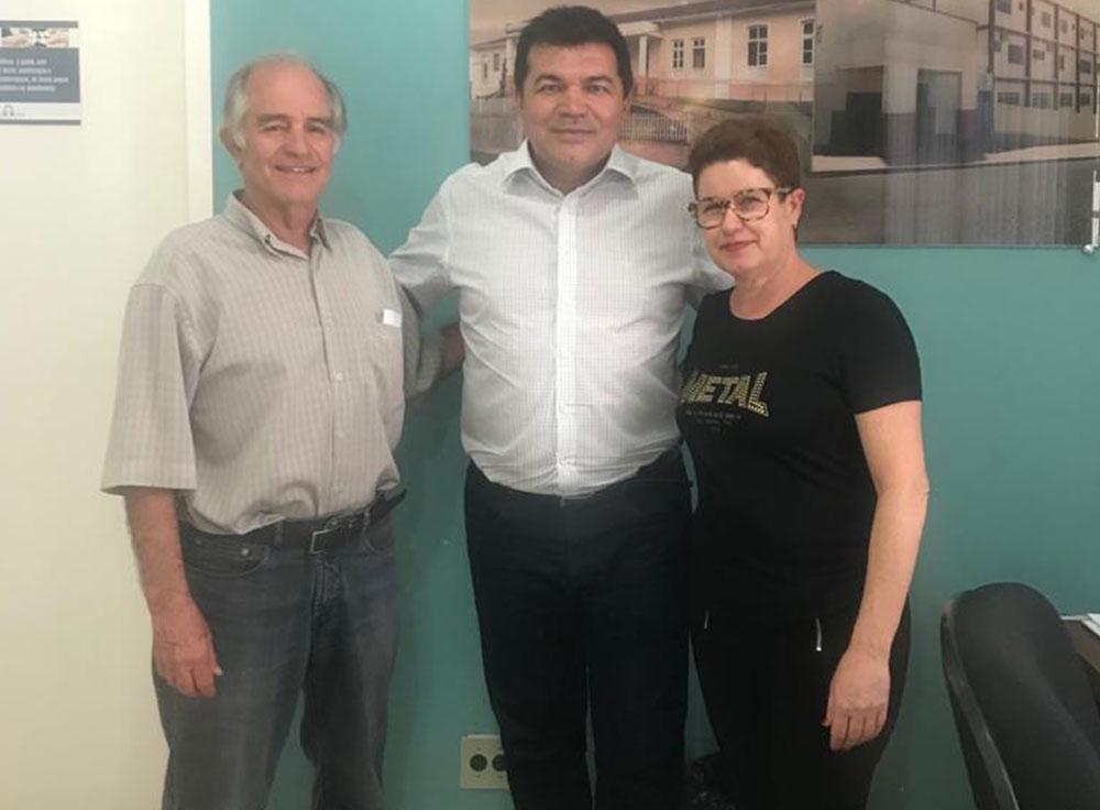 Deputado Bosco reforça compromisso com a Santa Casa