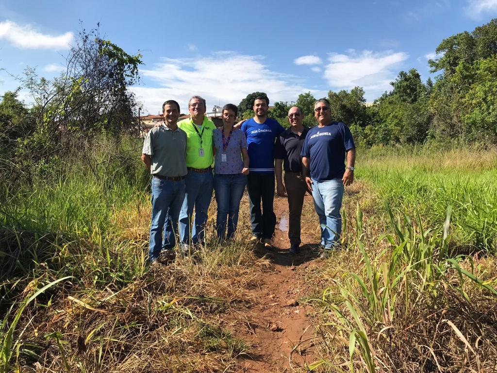Universitários participam de Projeto de Recuperação de Nascentes